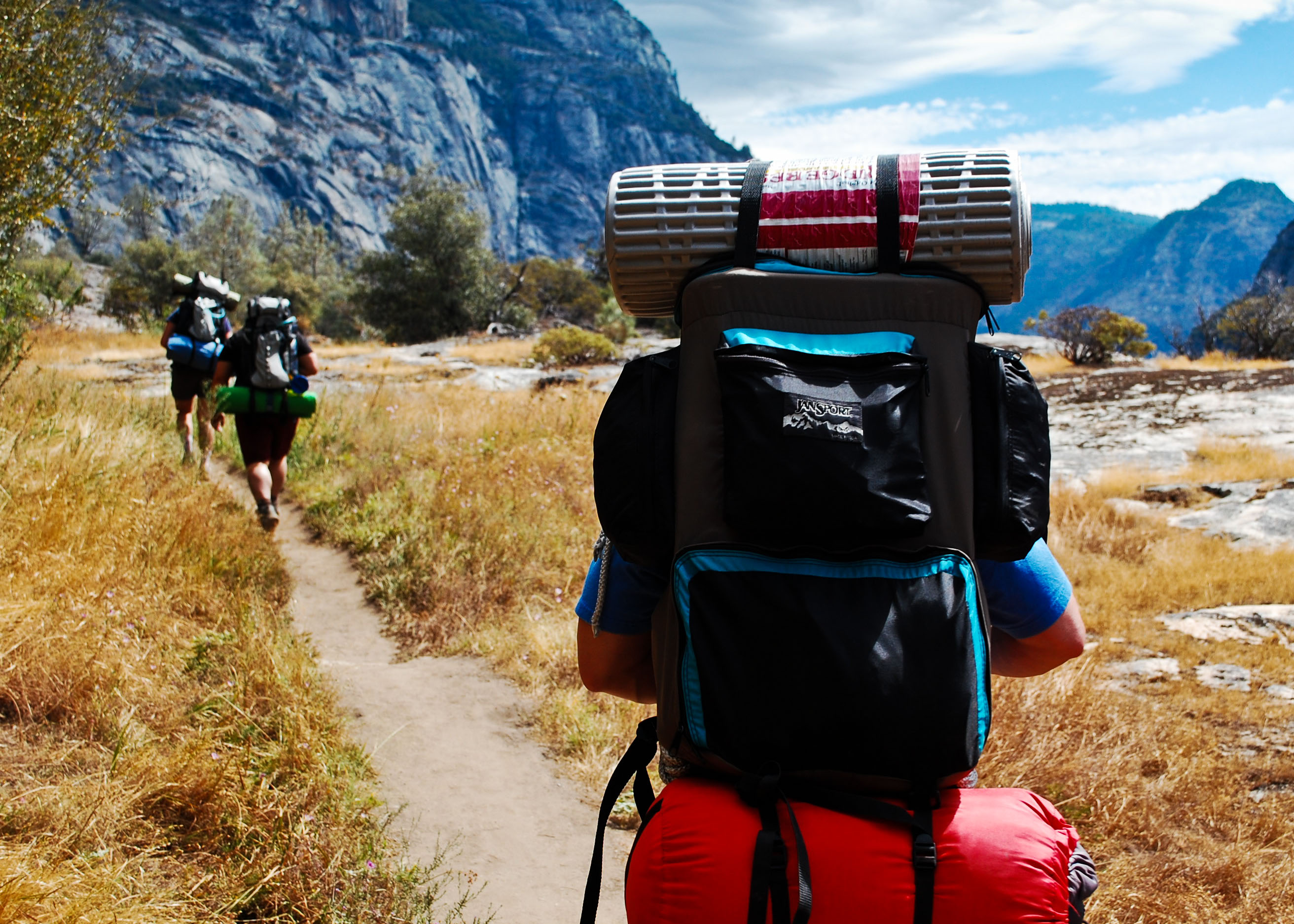 10 Tips to Lighten Your Backpack