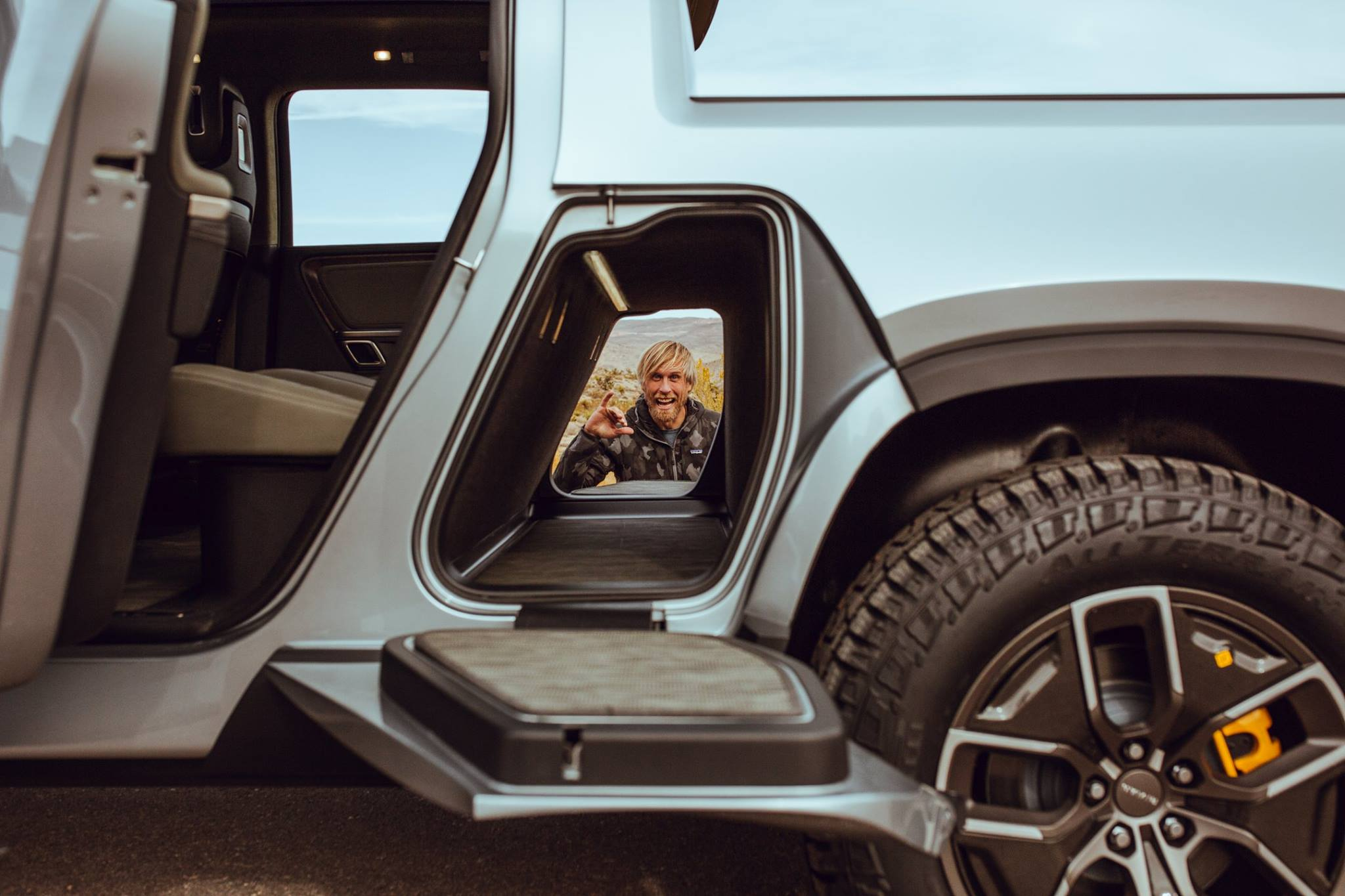 The Future Of Electric Off Road May Be Here See Rivian S New Suv Truck